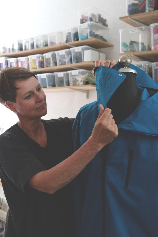 bei der Modeentwicklung für ein Modelabel | Kolletion nachhaltig produzieren